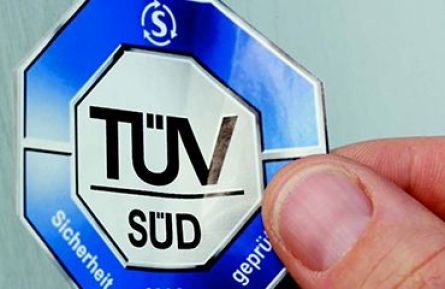 Our clinic is the holder of the TÜV certificate of quality.